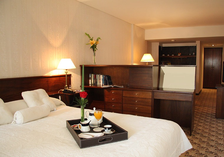 Преимущества проживания в хостеле, описание стандартных услуг, предоставляемых постояльцам
